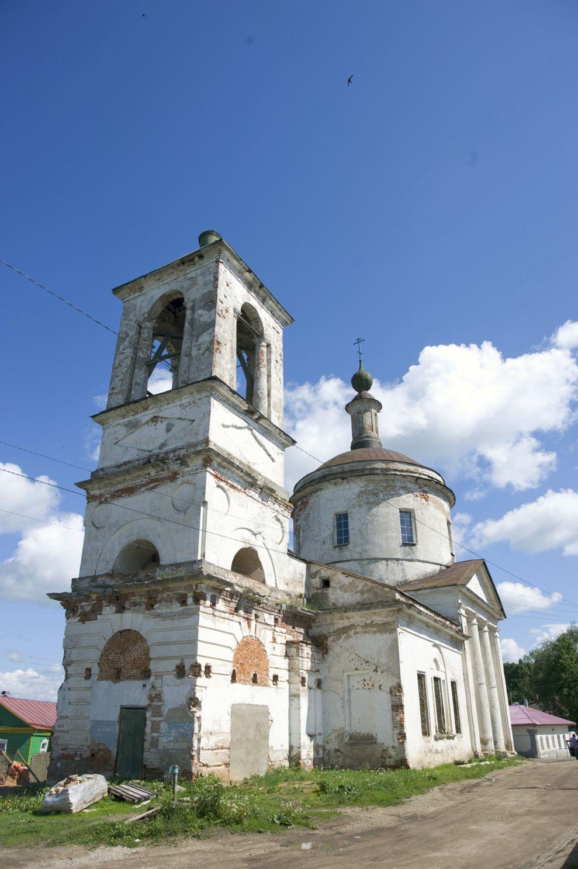 сколько церквей в боровске новый массив состоящий